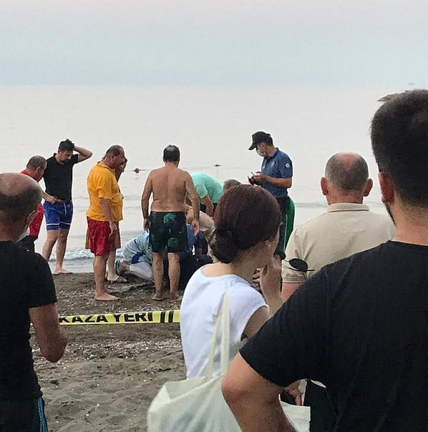 Giresun'da Bir Genç Girdiği Denizden Çıkamadı Boğuldu